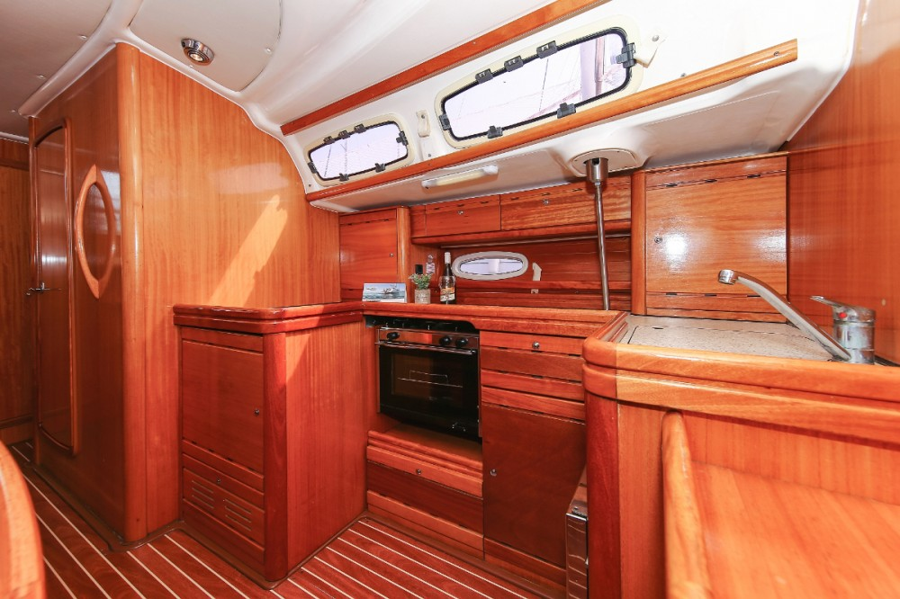 Hire Sailboat with or without skipper Bavaria Grad Pula