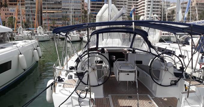 Boat rental Jeanneau Sun Odyssey 479 in Palma de Mallorca on Samboat