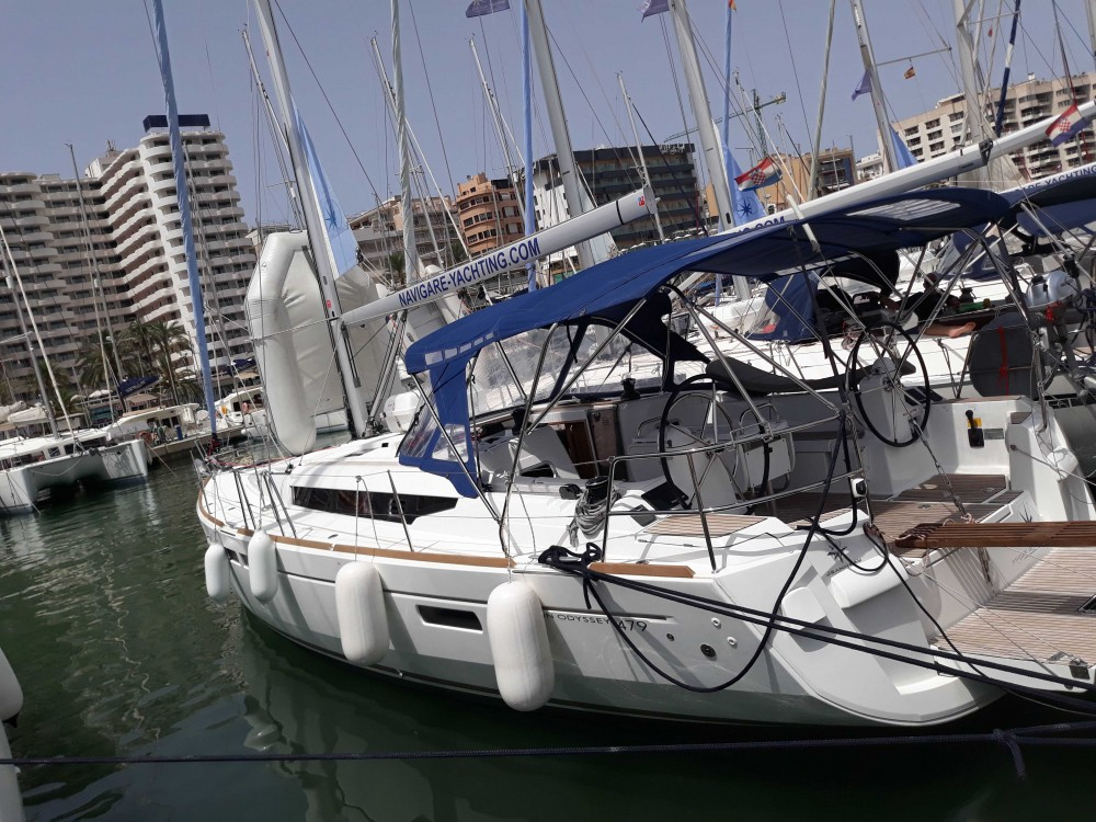 Hire Sailboat with or without skipper Jeanneau Balearic Islands