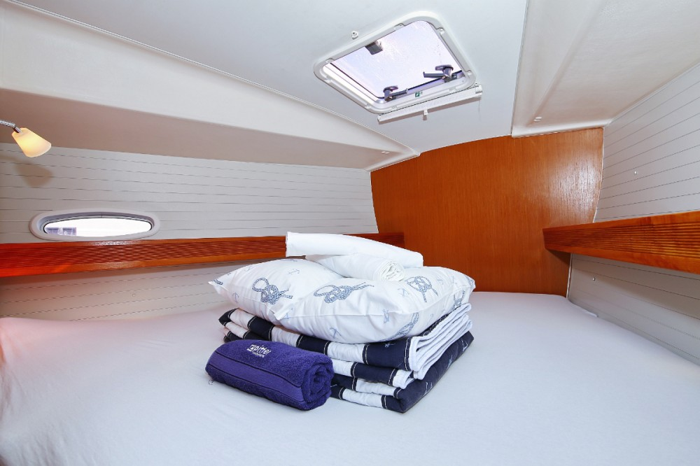 Rent a Bavaria Cruiser 47