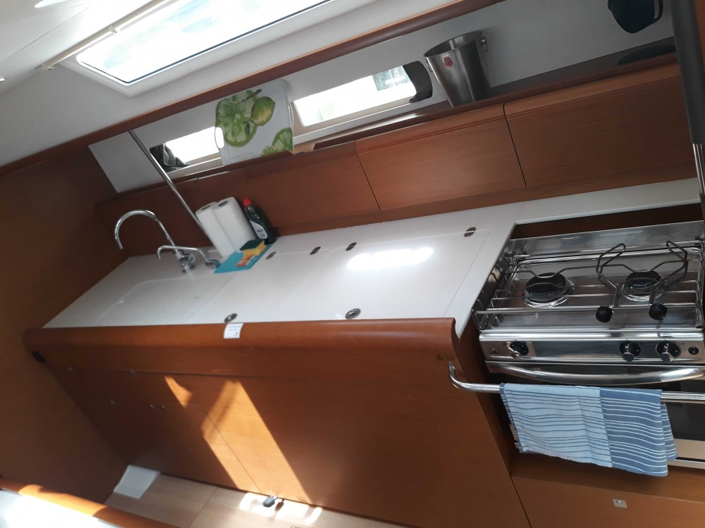 Rental Sailboat in Balearic Islands - Jeanneau Sun Odyssey 479 - 4 cab.