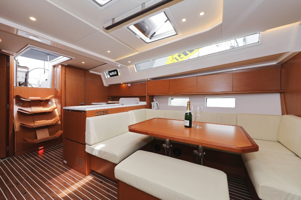 Bavaria Bavaria C45 Holiday between personal and professional