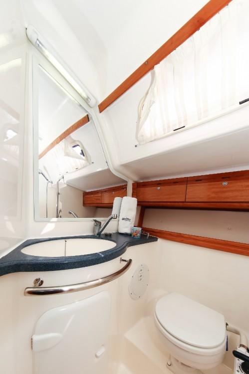 Rental yacht Grad Pula - Bavaria Cruiser 46 on SamBoat
