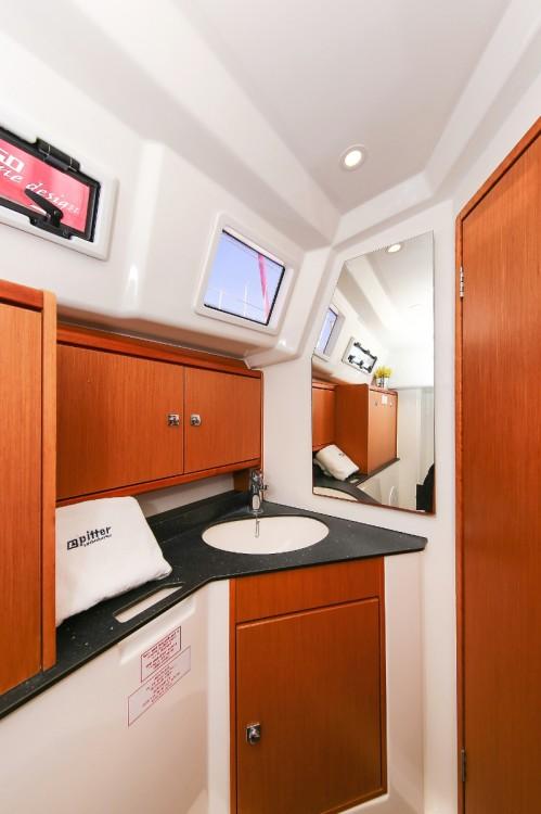 Rental yacht  - Bavaria Cruiser 33 on SamBoat