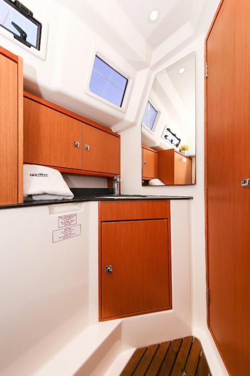Boat rental  cheap Cruiser 33