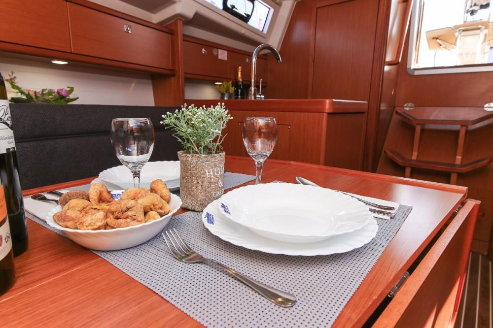 Boat rental Bavaria Cruiser 33 in Croatia on Samboat