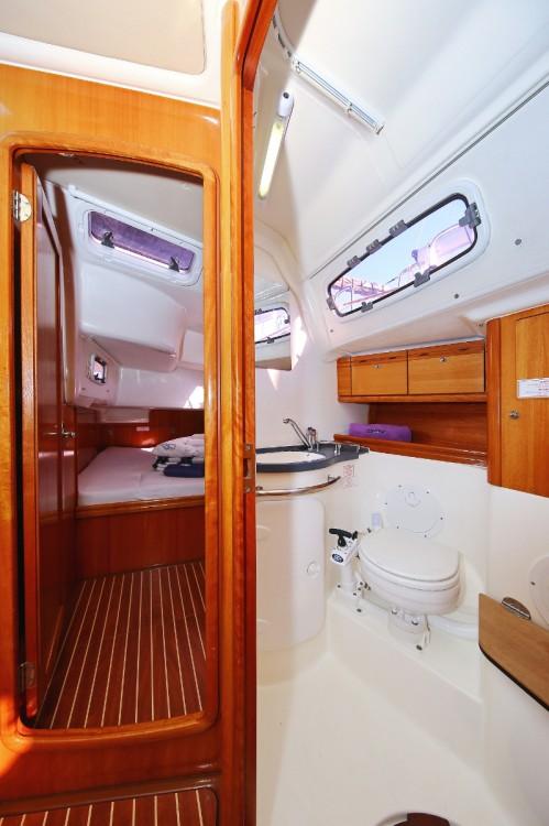 Boat rental Bavaria Cruiser 50 in Trogir on Samboat
