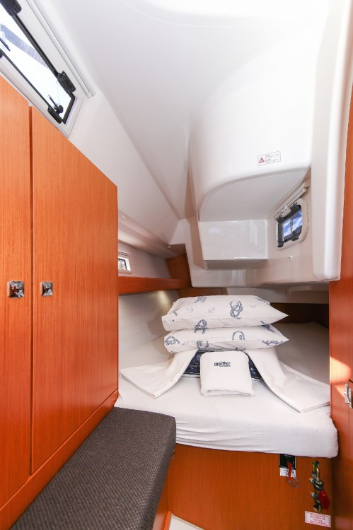 Boat rental Croatia cheap Cruiser 34