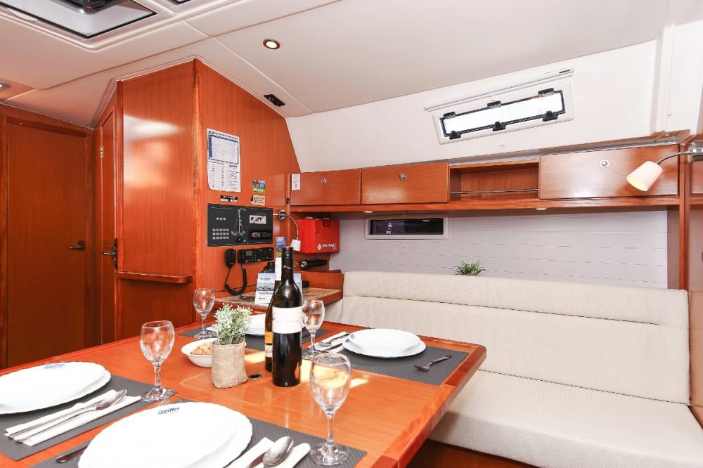 Rental yacht Grad Zadar - Bavaria Cruiser 36 on SamBoat