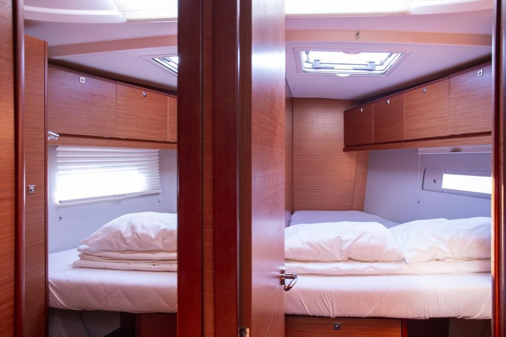 Boat rental Dufour Dufour 520 GL in  on Samboat
