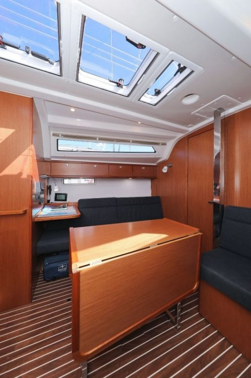 Rental yacht Grad Zadar - Bavaria Cruiser 37 on SamBoat