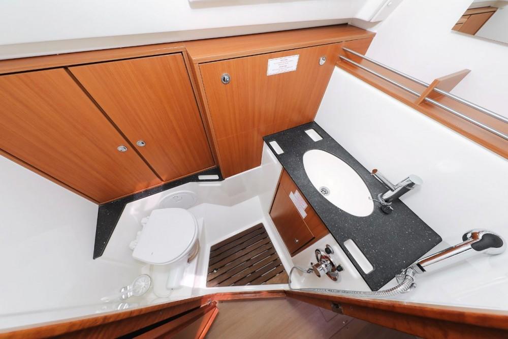 Boat rental Bavaria Cruiser 36 in Grad Zadar on Samboat
