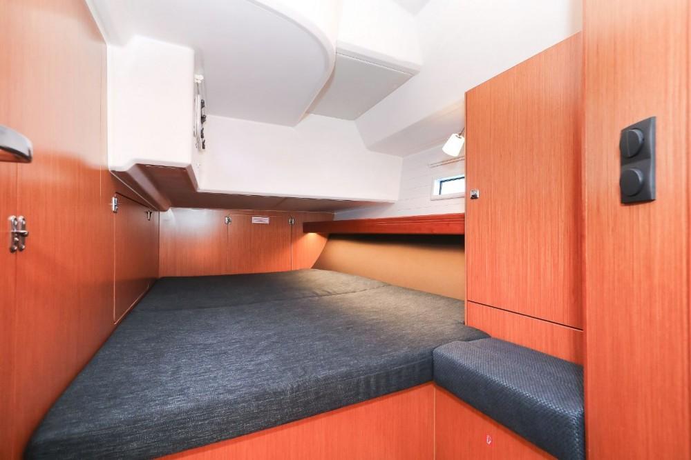 Boat rental Zadar cheap Cruiser 46