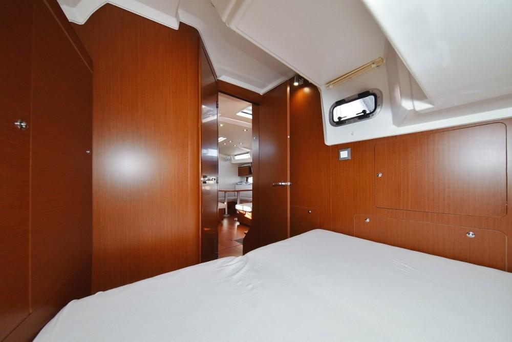 Boat rental Bénéteau Oceanis 46.1 (4 cab) in Zadar on Samboat