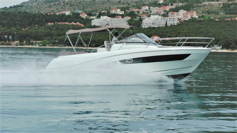Boat rental  cheap Cap Camarat 10.5 WA