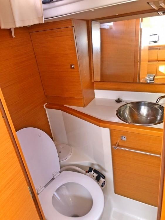 Rental yacht Split - Jeanneau Sun Odyssey 379 on SamBoat