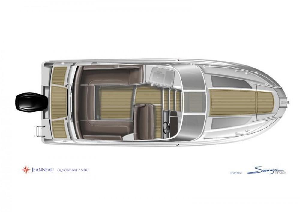 Rental yacht  - Jeanneau Cap Camarat 7.5 DC on SamBoat