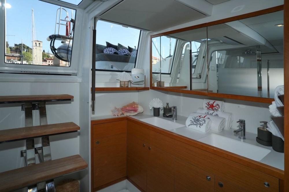 Boat rental Grad Pula cheap Lagoon 620