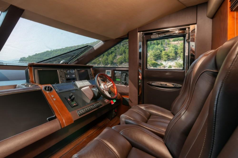 Rental yacht Podstrana - Princess-Yachts Princess 72 Flybridge - 4 + 1 cab. on SamBoat
