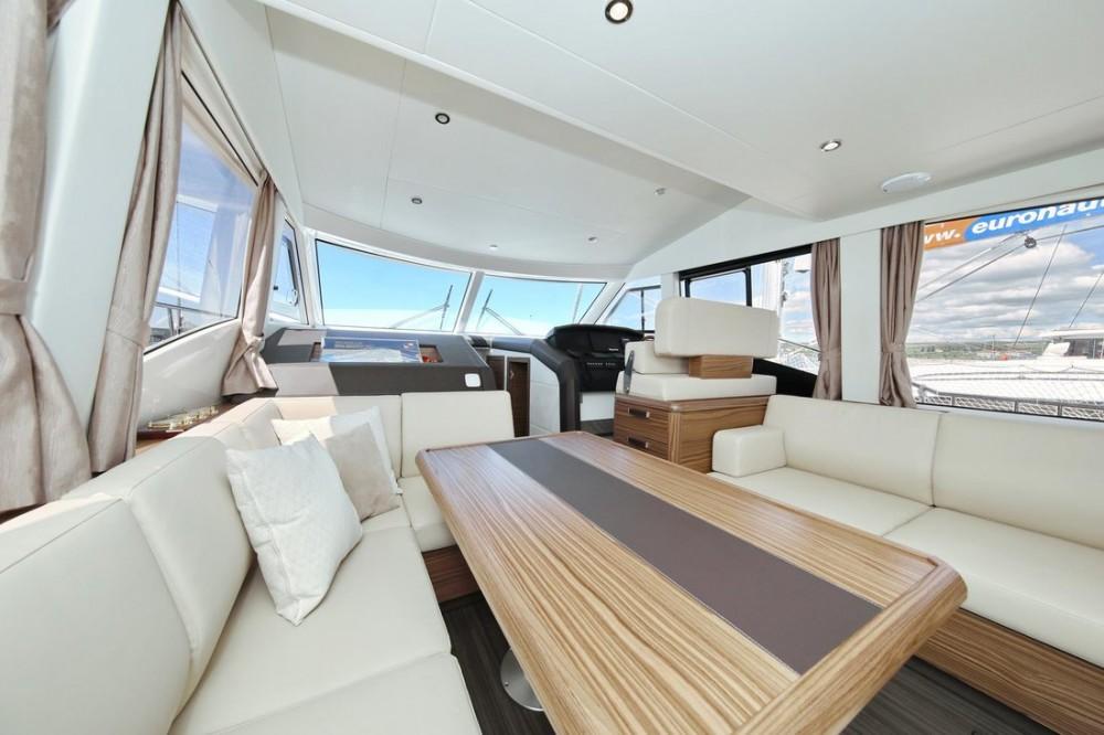 Boat rental Greenline Greenline Hybrid Ready 48 Fly in Croatia on Samboat