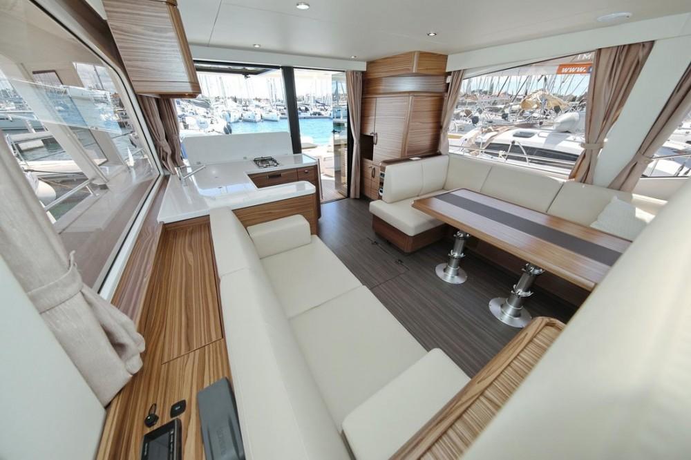 Rental yacht Croatia - Greenline Greenline Hybrid Ready 48 Fly on SamBoat