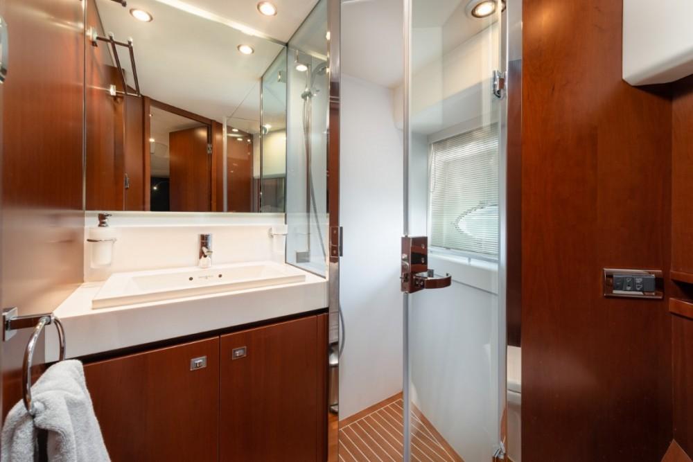 Rental Motorboat in Podstrana - Princess-Yachts Princess 72 Flybridge - 4 + 1 cab.