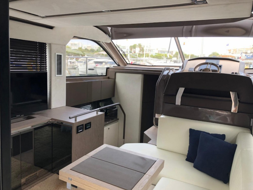 Hire Motor boat with or without skipper SESSA Marina LAV