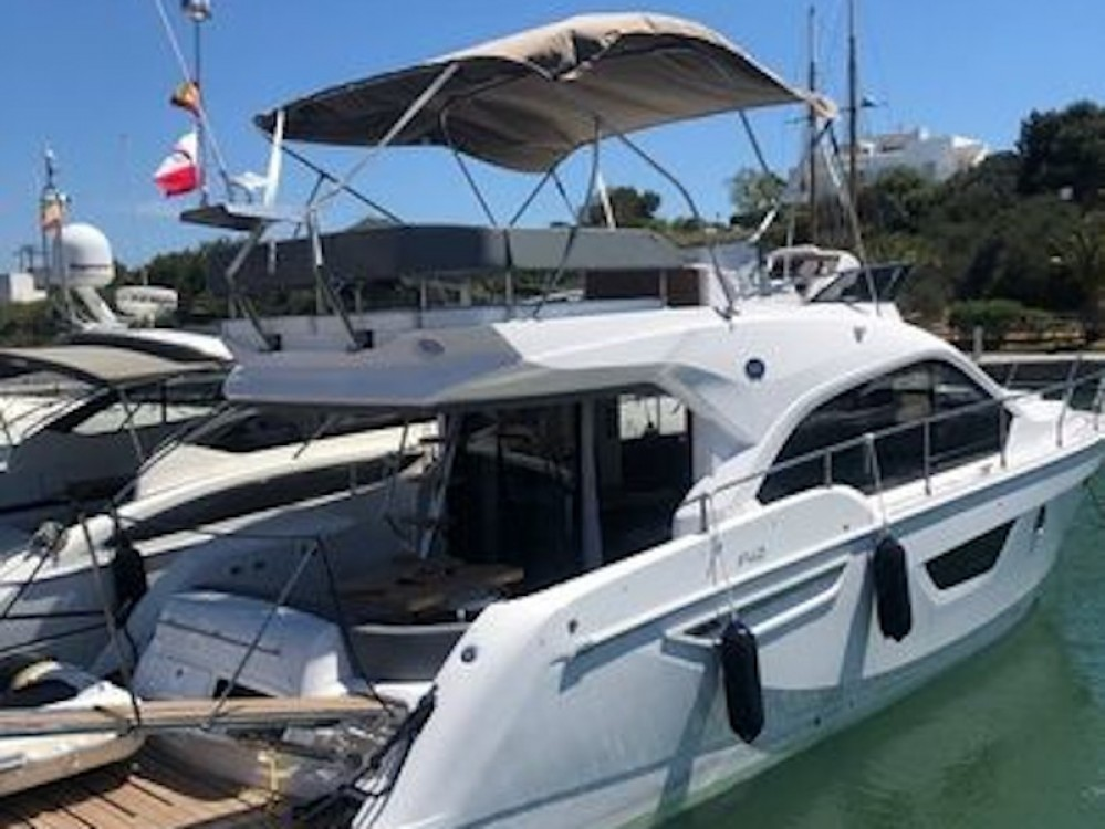 SESSA Sessa Fly 42 between personal and professional Marina LAV