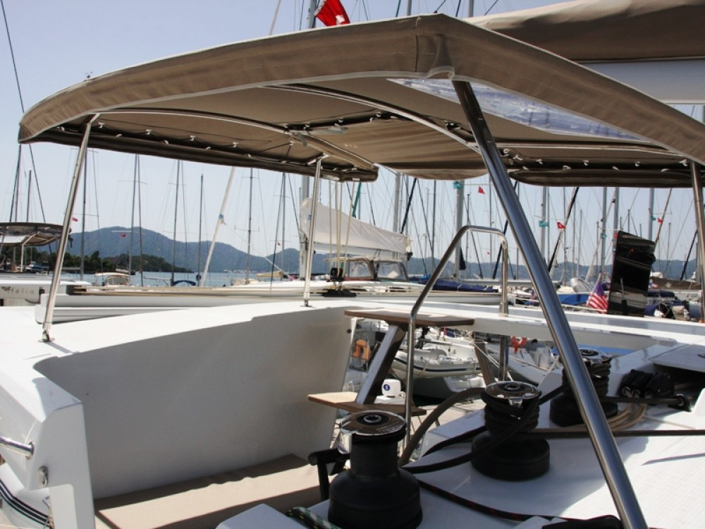 Rent a Fountaine Pajot Lucia 40 Marmaris