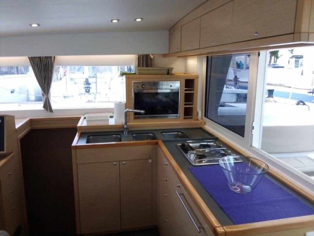 Rental Catamaran in Alimos Marina - Lagoon Lagoon 400