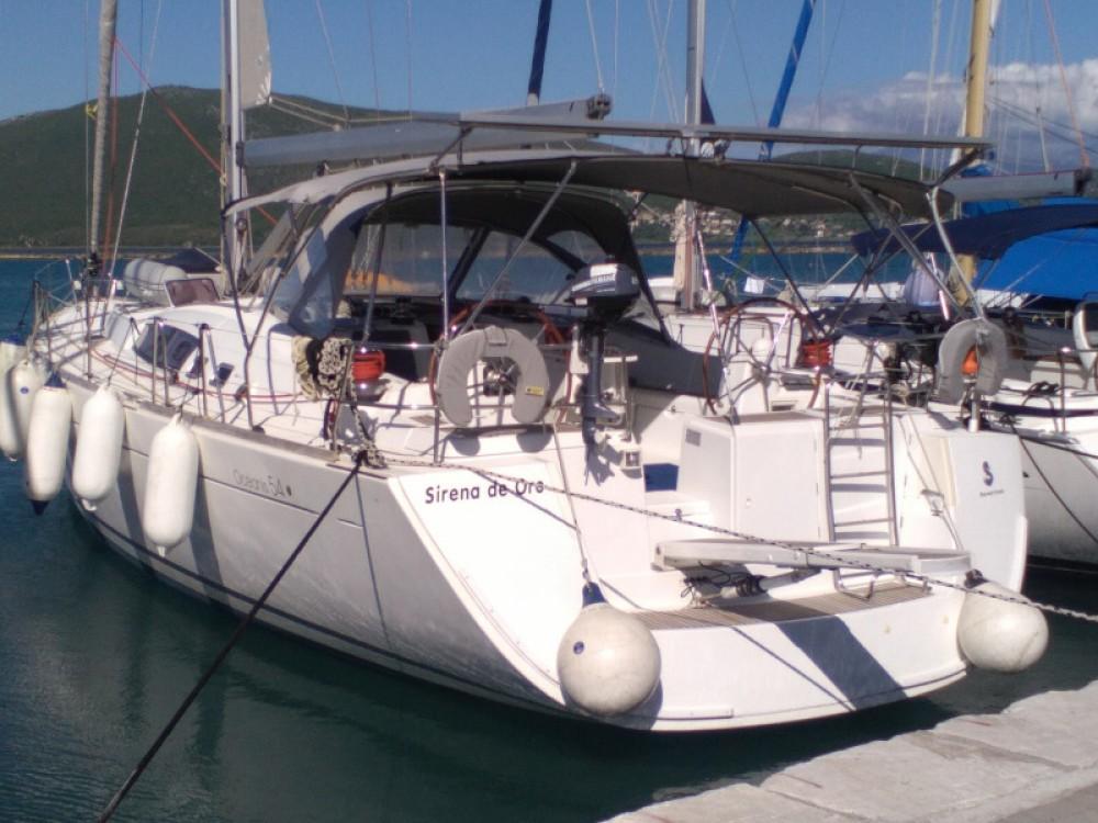Rent a Bénéteau Oceanis 54 Alimos Marina
