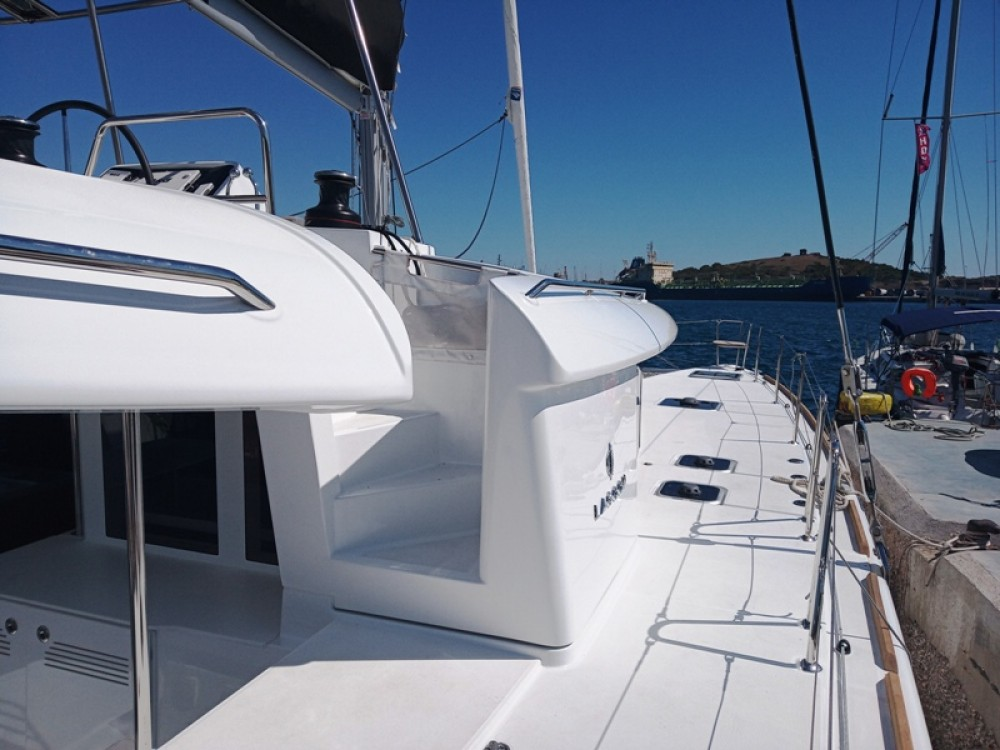 Boat rental Laurium cheap Lagoon 450  Flybridge