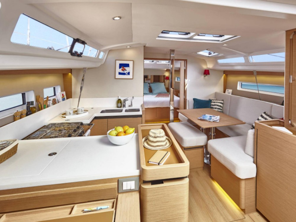 Jeanneau Sun Odyssey 440 between personal and professional Vibo Valentia