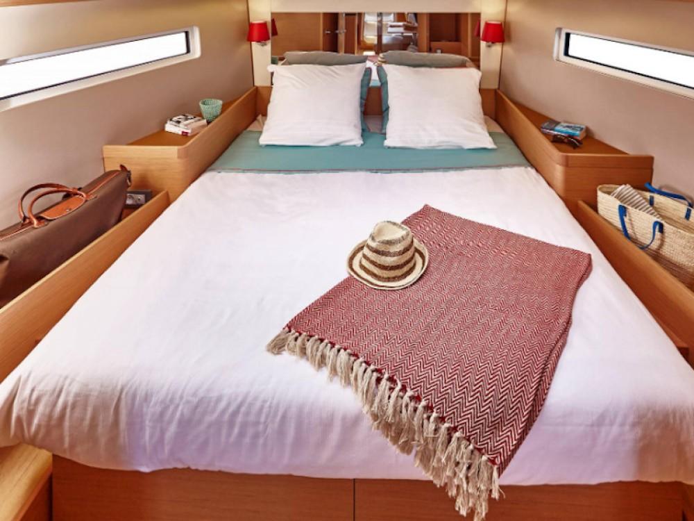 Rental Sailboat in Vibo Valentia - Jeanneau Sun Odyssey 440