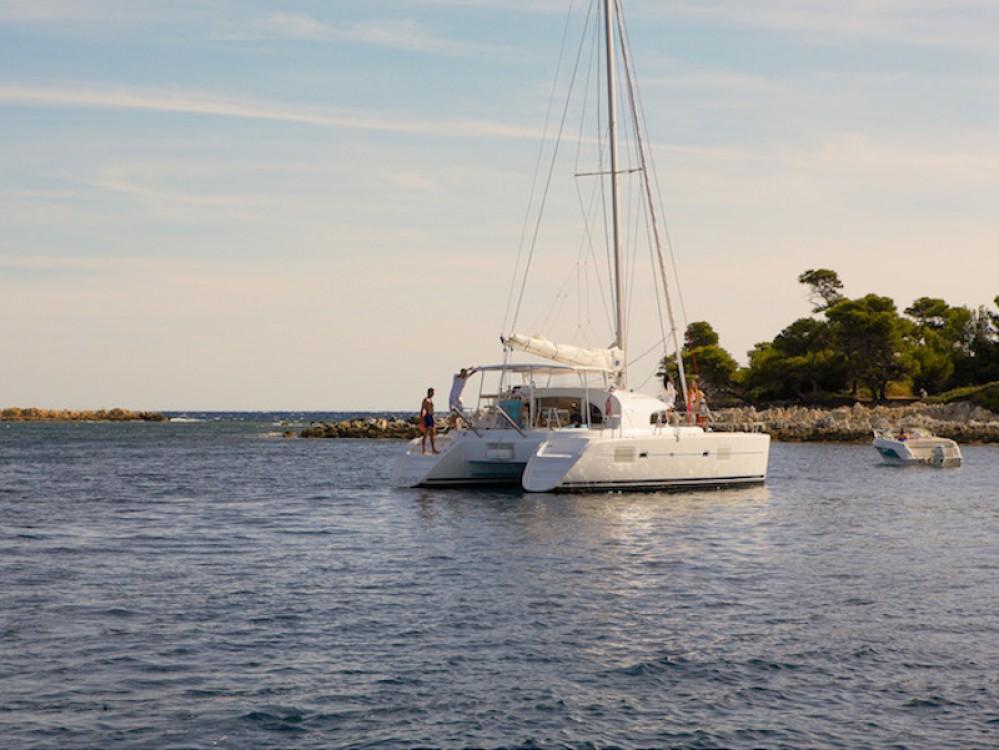 Rental Catamaran in Vibo Valentia - Lagoon Lagoon 380