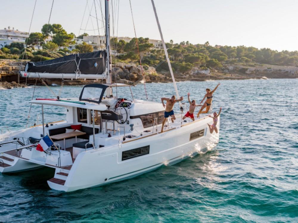 Rental Catamaran in  - Lagoon Lagoon 40