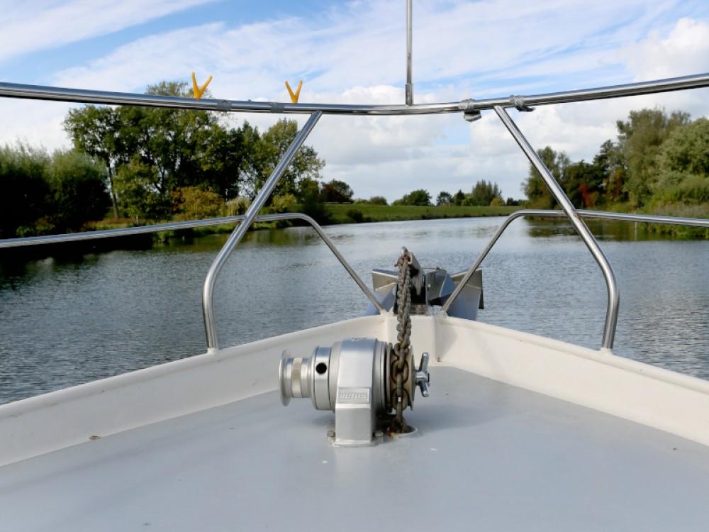 Rental yacht Heukelum -  Valk Voyager 1400 on SamBoat