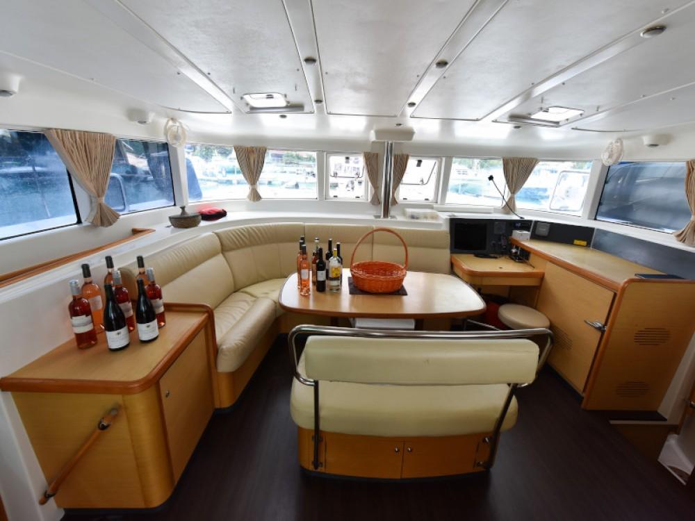 Rental Catamaran in Victoria - Lagoon Lagoon 440