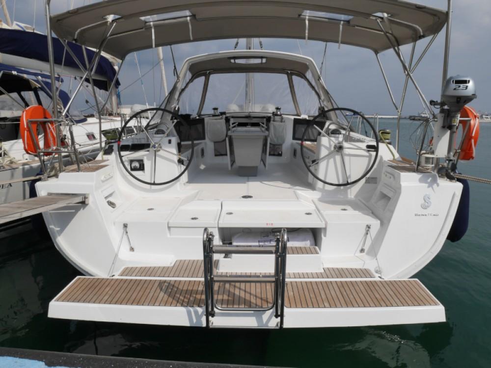 Rental Sailboat in Lefkada - Bénéteau Oceanis 45