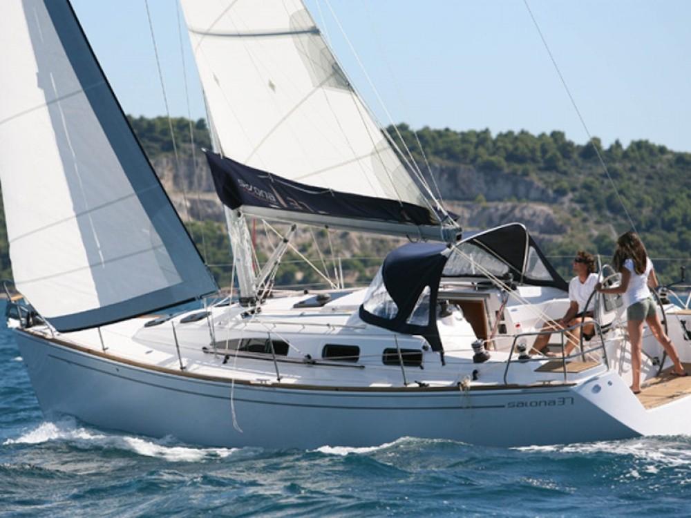 Boat rental Salona Salona 37 in Lávrio on Samboat
