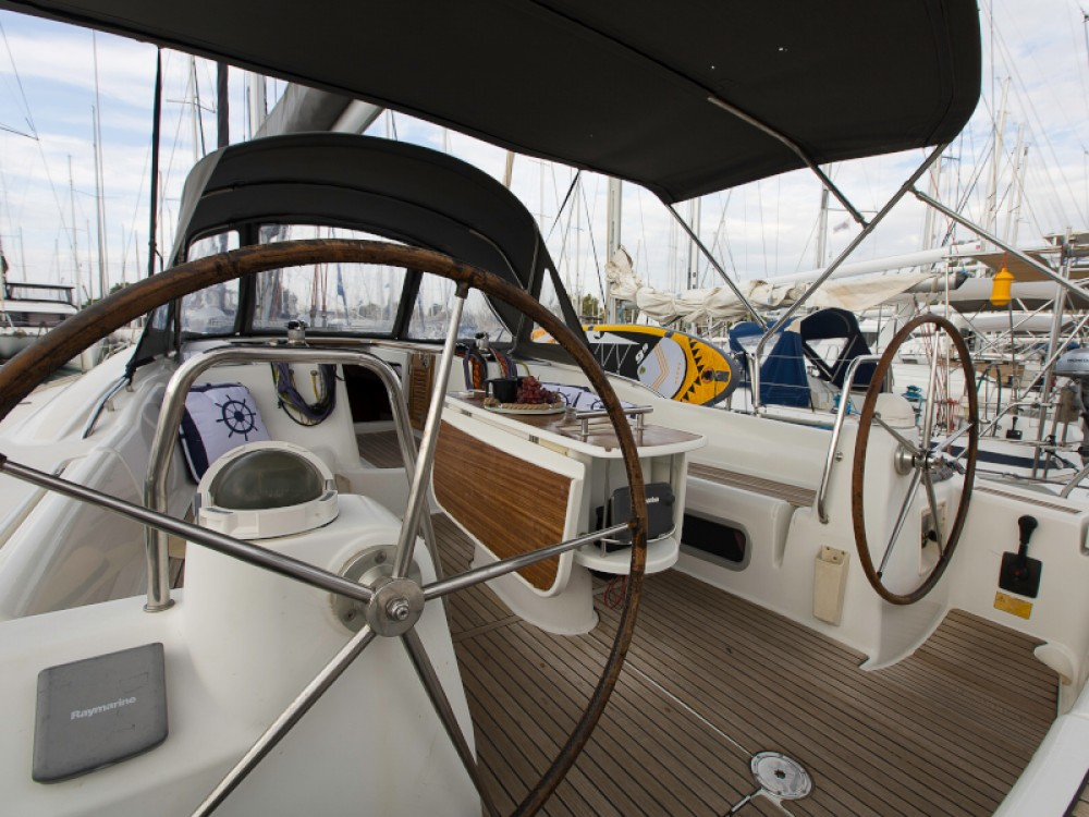 Rental Sailboat in Laurium - Bénéteau Oceanis 46