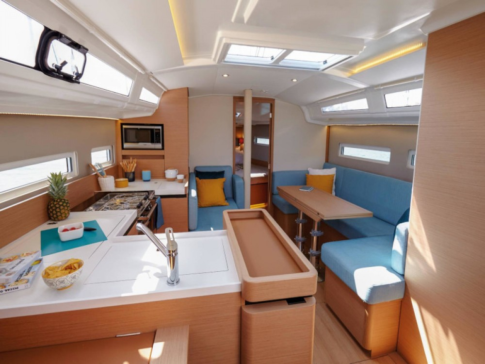 Jeanneau Sun Odyssey 410 between personal and professional Marina Gouvia