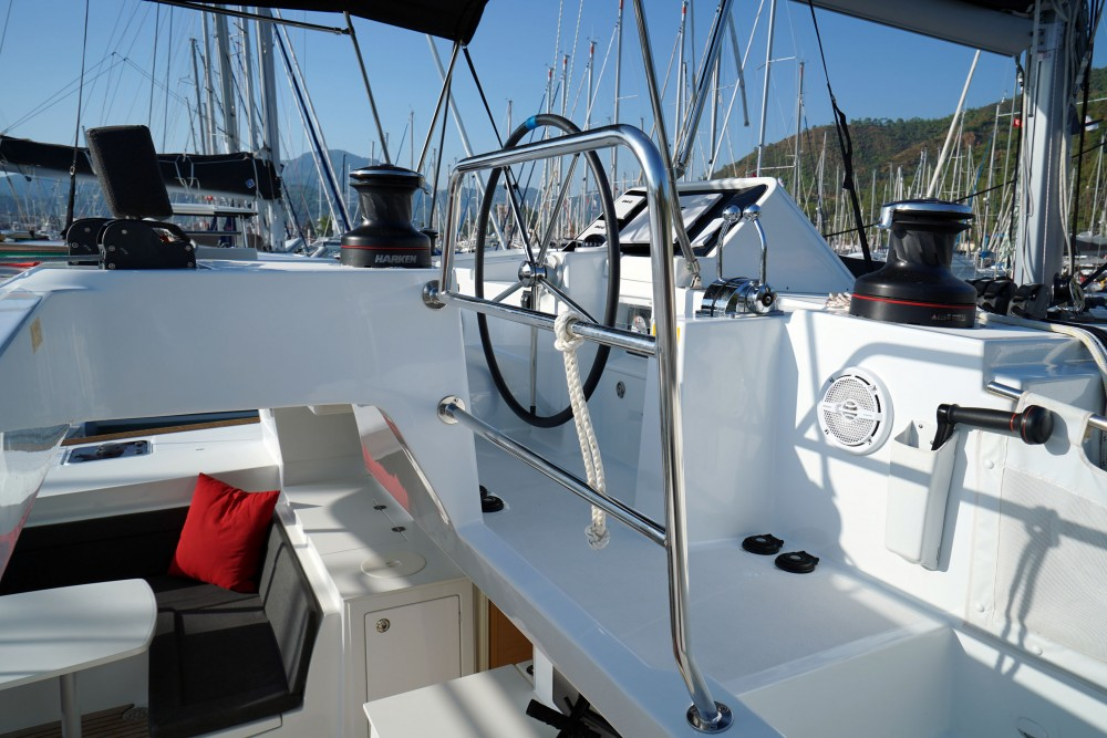 Boat rental Marmaris cheap Lagoon 450F
