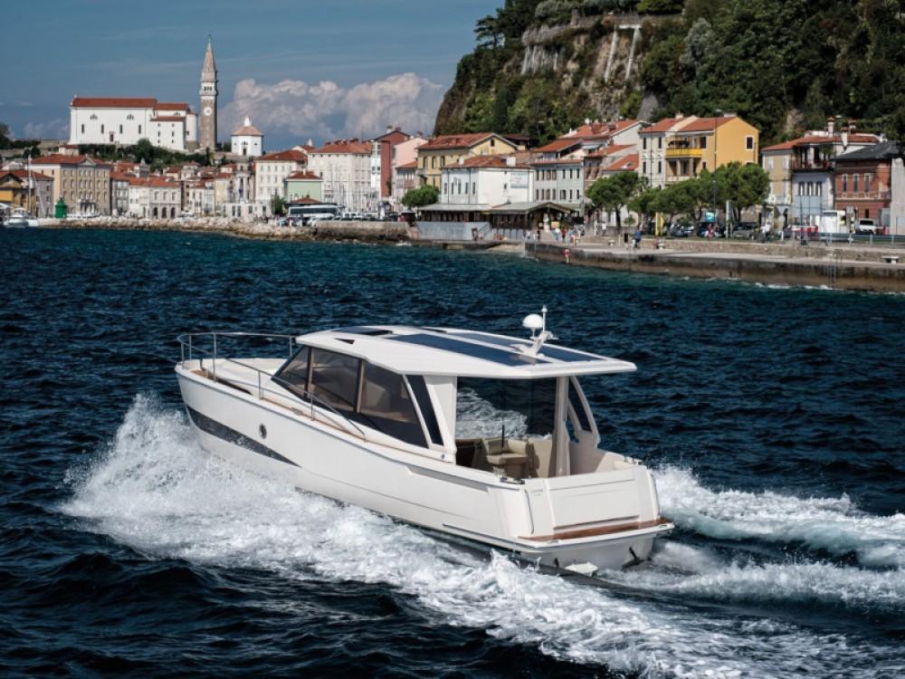 Greenline Greenline 39 between personal and professional Grad Zadar