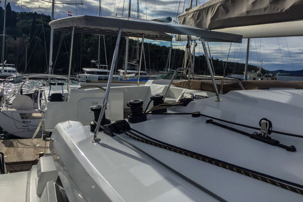 Hire Catamaran with or without skipper Fountaine Pajot Slano