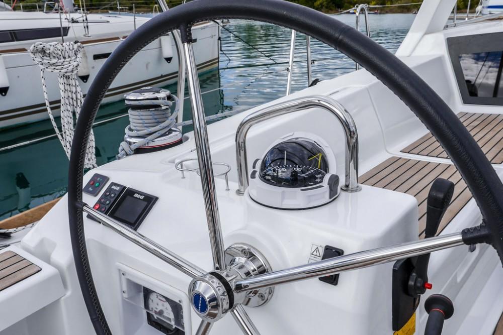 Rental yacht Tivat - Bénéteau Oceanis 45 (4 cabs) on SamBoat