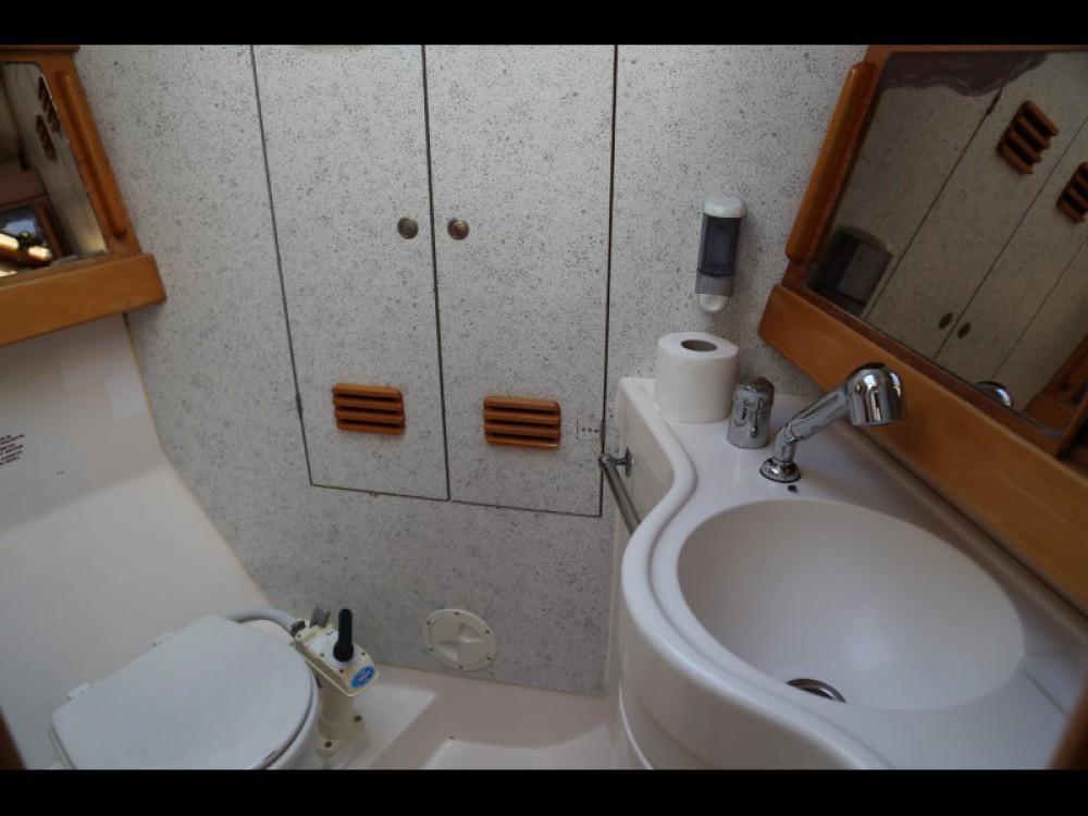 Rental yacht Kaštel Gomilica - Elan Elan 431 on SamBoat
