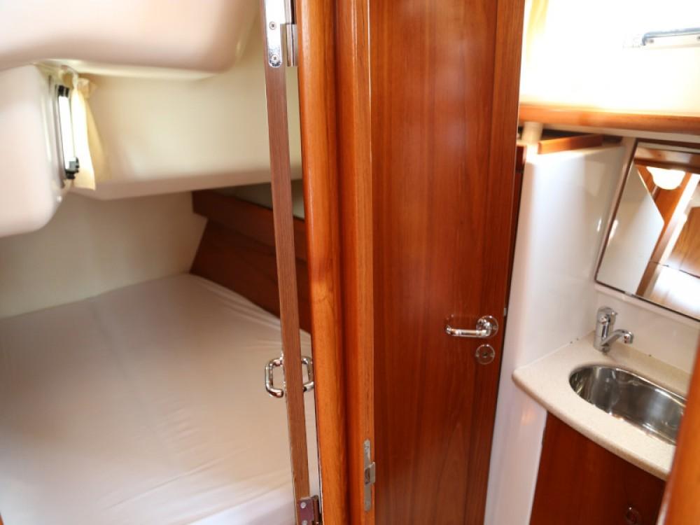 Boat rental Jeanneau Sun Odyssey 49 DS in Kaštel Gomilica on Samboat