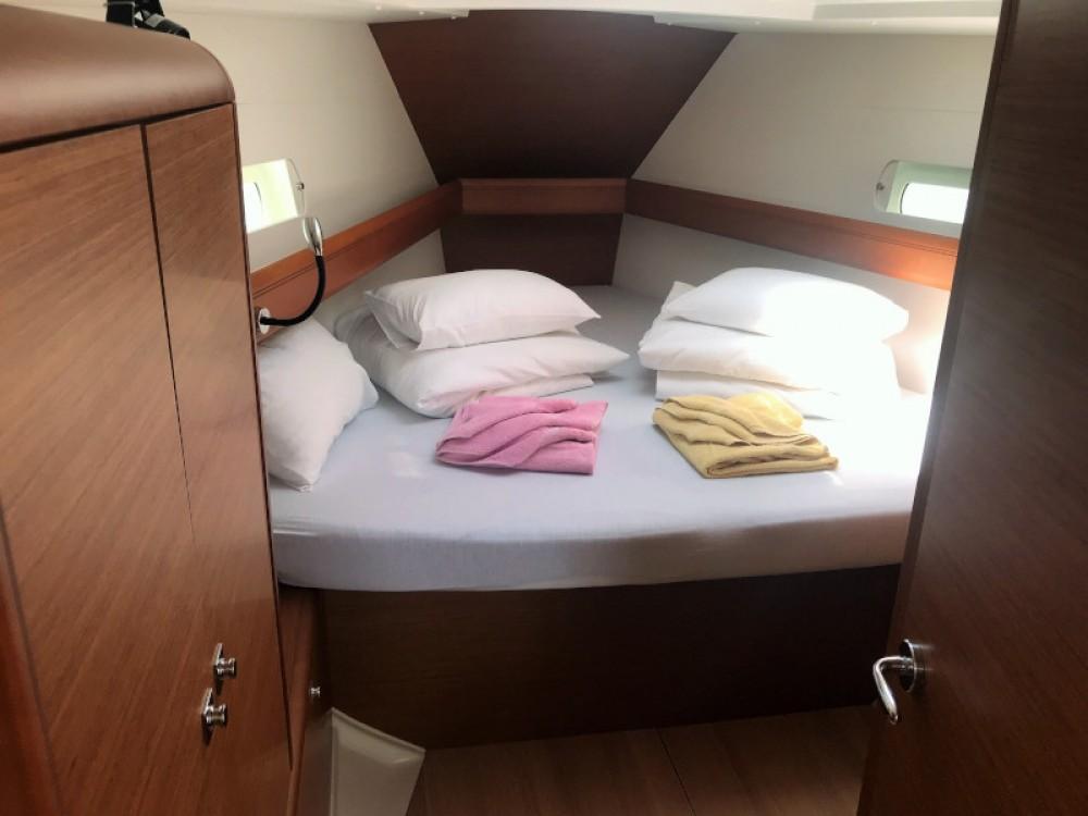 Rental yacht Pirovac - Jeanneau Sun Odyssey 419 on SamBoat
