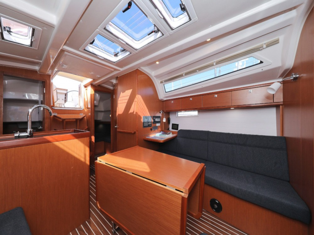 Rental Sailboat in D-Marin Borik - Bavaria Bavaria Cruiser 37